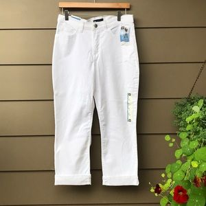 BRAND NEW LEE JEANS SIZE 8